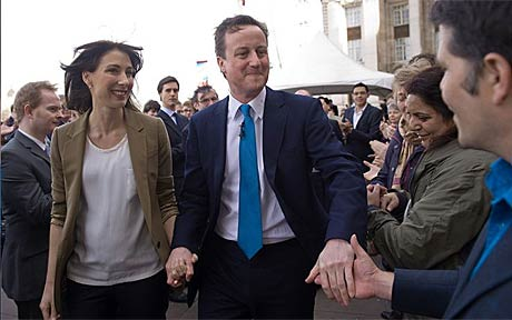 Dave and his wife Sam meet supporters in London today (Photo: Reuters)